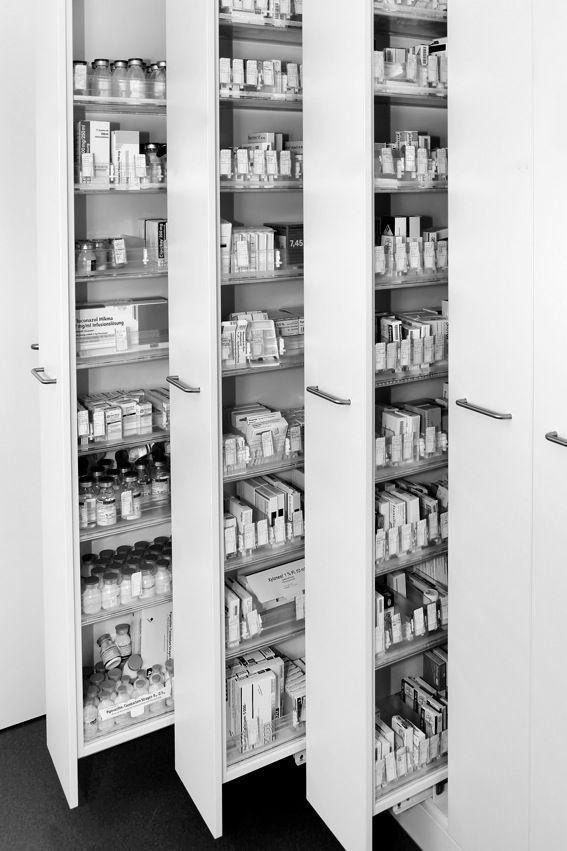 Krankenhausbedarf Apothekerschränke, weiß HPL-Beschichtet, Edelstahl ...