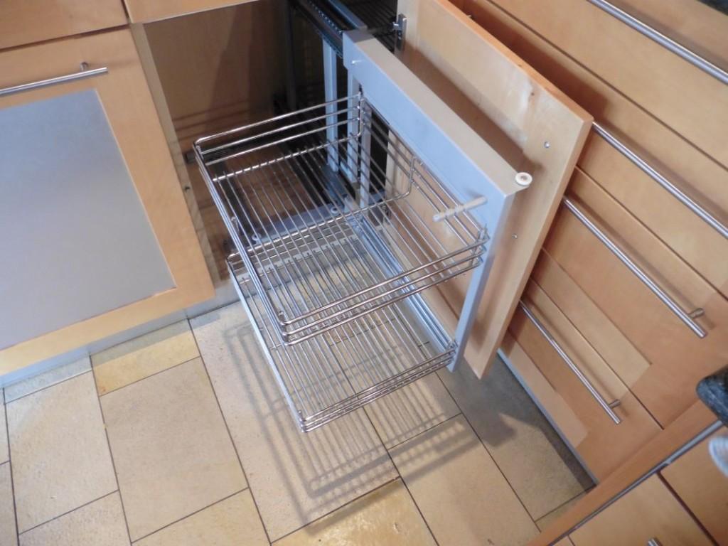 Eckschrank küche auszug  eckschränke für die küche ? multitalente für viel komfort. den ...