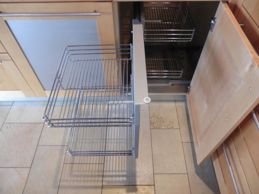 Eckschrank küche auszug  Kchen Mit Auszgen. Affordable Bad Hochschrank Capri T Rig ...