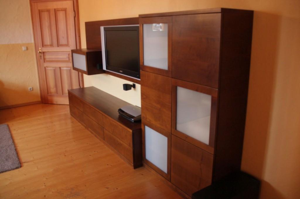 wohnwand buche furniert auf nussbaum gebeizt rahment ren. Black Bedroom Furniture Sets. Home Design Ideas